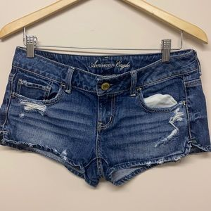American eagle Outfitters booty shorts distressed